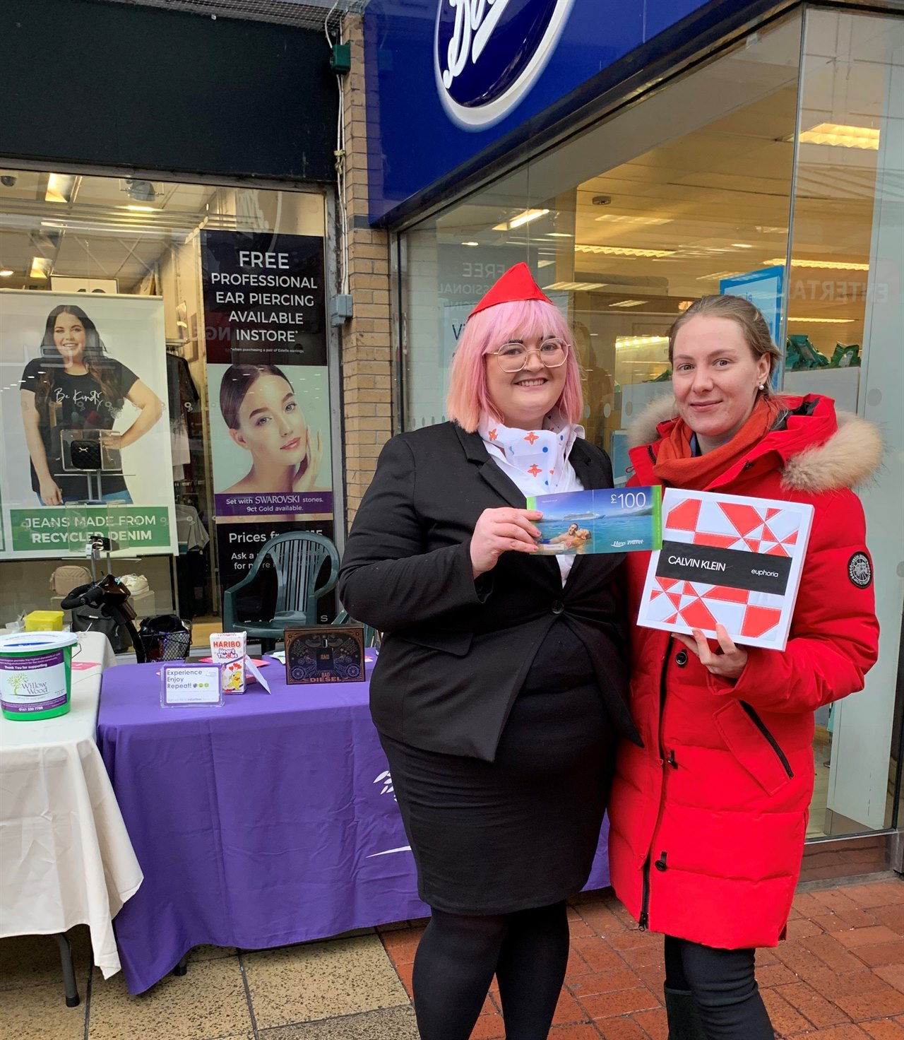 Shopping centre flying high after a £600 prize fund giveaway attracted hundreds of shoppers during mid-term break